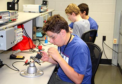 Student wiring electronic flashlight